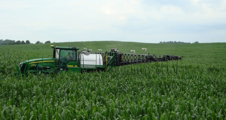 sensor based nitrogen application to corn maize in the midwest photo raun 750x400 - The Uses of Fertiliser